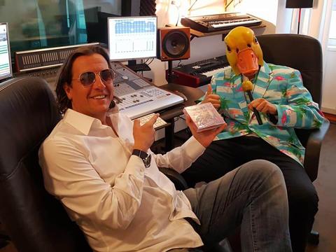 Ingo ohne Flamingo feiert im Studio die neue Ballermann Hits 2018