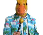 Ingo ohne Flamingo mit Mikrofon